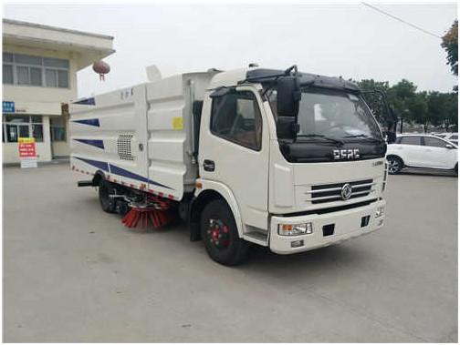 东风多利卡洗扫车(轴距3800型)